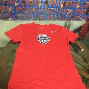 NWT USA Basketball Red Nike T-Shirt Women's Medium
